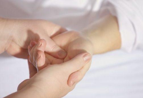 modelage mains
