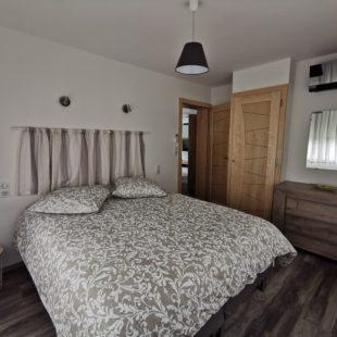 Appartement-frêne-chambre-Contrexéville